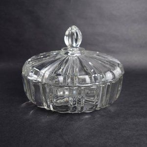 Elegant Covered Round Glass Candy Dish Finial Lid